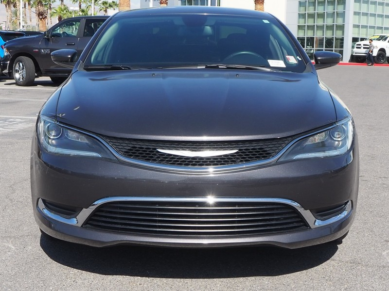 Pre Owned 2017 Chrysler 200 4dr Sdn Limited Fwd